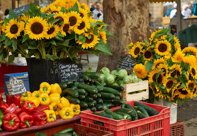 A cornucopia of tastes, colors and scents in Provence's farmers markets