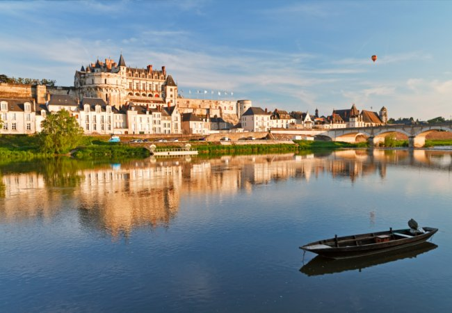 Amboise standing prominant along the river Cher | irakite