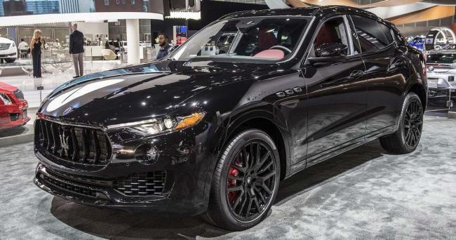 Luxury Vehicle: Maserati Levante And Quattroporte Nerissimo 2017 LA Auto Show