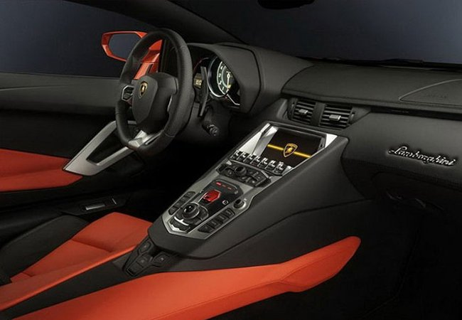 The interior of the Lamborghini Aventador | Lamborghini.com