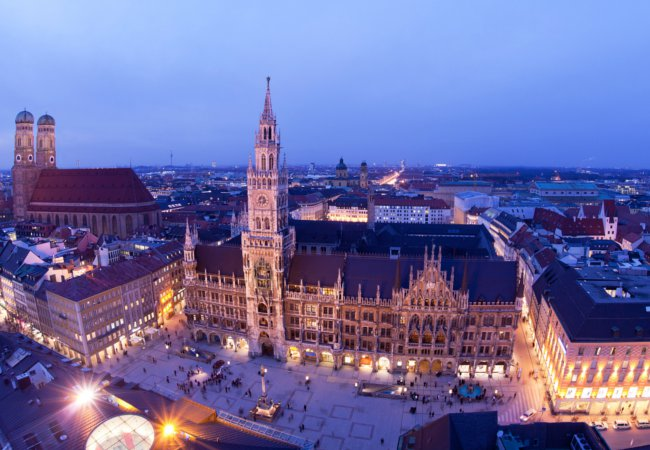 First night in Munich | Shutterstock/Dontsov Evgeny
