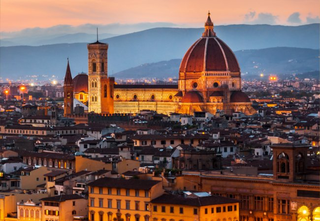 Sunset descends of Florence | Gurgen Bakhshetyan/Shutterstock
