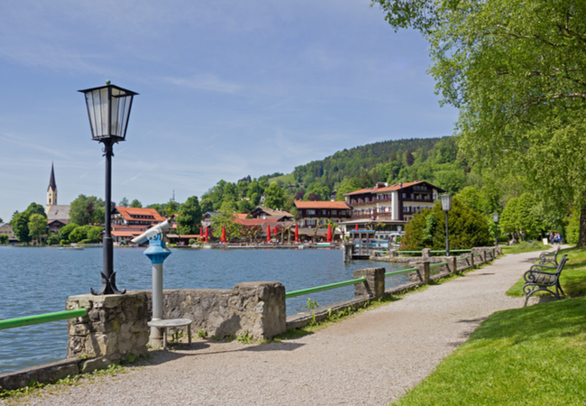 Schliersee Lake and town | Susa Zoom / Shutterstock.com