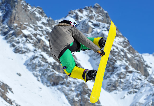 Snowboard down some of the best off piste in the Alps